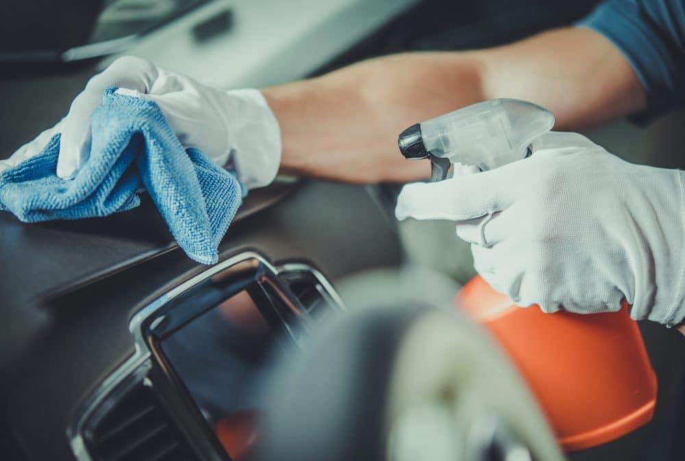 limpiezo interior de coche en cordoba
